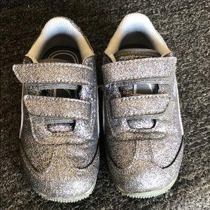 Gray Glitter Puma Whirlwind Glitz sneaker